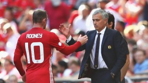 LONDON, ENGLAND - AUGUST 07: Wayne Rooney of Manchester United shakes hands with Manager of Manchester United, Jose Mourinho during The FA Community Shield match between Leicester City and Manchester United at Wembley Stadium on August 7, 2016 in London, England.  (Photo by Michael Steele/Getty Images)