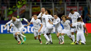 real_madrid_champions_league_final_celebrate_3474886_gqeg