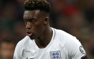 Callum Hudson-Odoi lần đầu tiên có mặt trong đội hình đội tuyển Anh trong trận gặp Montenegro