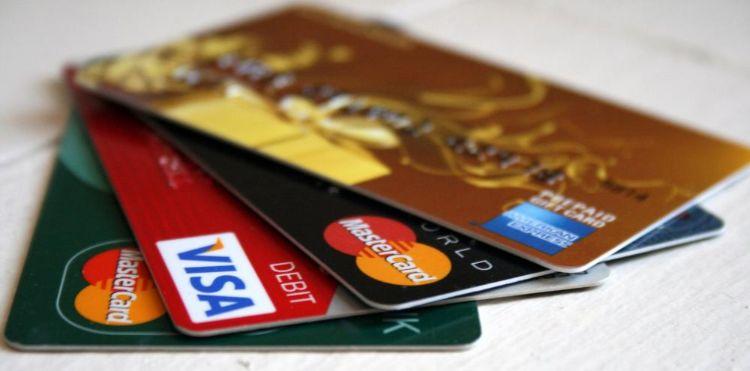 thẻ ATM ngân hàng